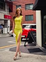 ** พร้อมส่ง** เดรสนำเข้าแบบยาวผ่าหน้าผ้ายืดเข้ารูปผ้านิ่มใส่สบาย สีเหลืองตามรูป