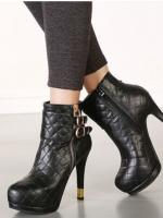 รองเท้าส้นสูงสีดำแฟชั่น