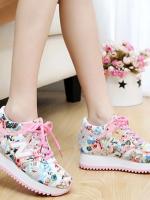 รองเท้าผ้าใบน่ารักๆ