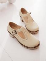 (Pre order)รองเท้าหุ้มส้นหนังเทียม ส้นสูง 1.5 นิ้ว