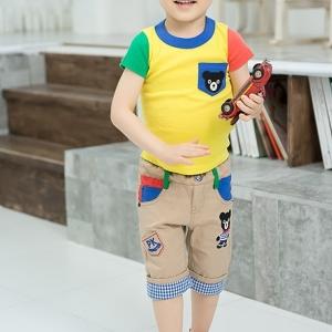 ชุดเซ็ทเด็กผู้ชาย เสื้อยืดแขนสั้นสีเหลืองสดใสรับซัมเมอร์ + กางเกงขา 3 ส่วนลายหมี สีเบจเข้าชุด มีไซส์ 100 / 110 / 120 / 130 /140