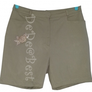 ขายแล้วค่ะ P8:2nd hand pants กางเกงขาสั้นสีน้ำตาลอ่อนๆ ปักลายดอกกุหลาบที่กระเป๋ากางเกงด้านขวา&#x2764