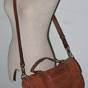 ขายแล้วค่ะ B33:Vintage leather bag กระเป๋าหนังแท้สะพายข้าง (มีหูหิ้ว) !! ส่งฟรีคร่าาา !!&#x2764