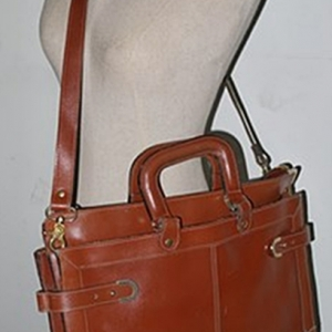 B7:Vintage leather bag กระเป๋าหนังแท้ทรงสี่เหลี่ยม วินเทจ กระเป๋าเอกสาร กระเป๋าสะพาย กระเป๋าถือ Made in TAIWAN