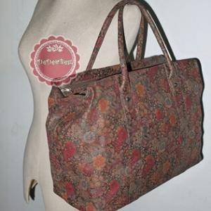 B23:Vintage leather bag กระเป๋าหนังแท้ลายดอกไม้สวยๆ