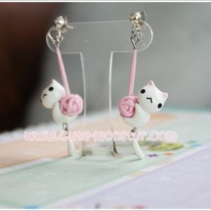 White cat & pink wool **