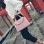 [ ลดราคา ] - กระเป๋าแฟชั่น ถือ&สะพาย สีชมพู ใบกลางๆ ดีไซน์สวยเท่เก๋ๆ งานหนังคุณภาพ เหมาะสำหรับสาวๆ Working Woman เท่ๆสุดๆน่าใช้ thumbnail 9