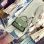 [ Pre-Order ] - กระเป๋าแฟชั่น ถือ/สะพาย สีเขียว ทรงสี่เหลี่ยม ใบเล็กกระทัดรัด ดีไซน์สวยเรียบหรู ดูดี งานหนังคุณภาพ คุ้มค่าการใข้งาน thumbnail 4