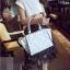 [ ลดราคา ] - กระเป๋าแฟชั่น นำเข้าสไตล์เกาหลี สีฟ้าพาสเทลพิมพ์ลายดอกไม้ สีสันโดดเด่นเก๋ๆ ดีไซน์แบรนด์ดัง ทรงตั้งอยู่ทรงได้ งานหนังคุณภาพ แบบสวยเรียบหรู ดูดีทุกโอกาสการใช้งาน สาวๆห้ามพลาด thumbnail 6