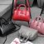 [ Pre-Order ] - กระเป๋าแฟชั่น ถือ/สะพาย สีชมพู ทรงหมอนตั้งได้ ใบกลางๆ ดีไซน์สวยเรียบหรู ดูดี งานหนังคุณภาพ อย่างดี thumbnail 2