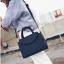 [ ลดราคา ] - กระเป๋าแฟชั่น ถือ&สะพาย สีดำคลาสสิค ใบกลางๆ ดีไซน์สวยเท่เก๋ๆ งานหนังคุณภาพ เหมาะสำหรับสาวๆ Working Woman เท่ๆสุดๆน่าใช้ thumbnail 6
