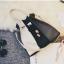 [ ลดราคา ] - กระเป๋าแฟชั่น Set 2 ชิ้น ถือ&สะพาย สีทรีโทนขาวเทาดำ ใบกลางๆ ดีไซน์สวยเก๋ ปรับใช้งานได้หลายสไตล์ thumbnail 18