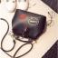 [ Pre-Order ] - กระเป๋าแฟชั่น ถือสะพาย สีดำ ทรง Retro สุดแนว ดีไซน์สวยเก๋ๆ เท่ๆ แอบเปรี้ยว ดูดี โดดเด่นไม่ซ้ำใคร thumbnail 15