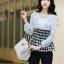 [ ลดราคา ] - กระเป๋าแฟชั่น นำเข้าสไตล์เกาหลี สีดำ ใบกลาง ดีไซน์เรียบๆ น้ำหนักเบา เหมาะกับทุกโอกาส thumbnail 3