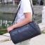 [ Pre-Order ] - กระเป๋าแฟชั่น ผู้ชาย ผู้หญิงใช้ได้ สะพายข้าง สีดำ ทรงกระบอก ช่องใส่ของเยอะ Canvas+Nylon คุณภาพ ตัดเย็บอย่างดี thumbnail 3