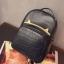 [ Pre-Order ] - กระเป๋าเป้แฟชั่น สไตล์เกาหลี สีดำคลาสสิค หนังอัดลายตารางด้านหน้า ดีไซน์สวยเก๋ไม่ซ้ำใคร งานหนังหนา มันเงาสวยมากค่ะ thumbnail 12