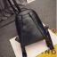 [ Pre-Order ] - กระเป๋าเป้แฟชั่น สไตล์เกาหลี สีดำคลาสสิค หนังอัดลายตารางด้านหน้า ดีไซน์สวยเก๋ไม่ซ้ำใคร งานหนังหนา มันเงาสวยมากค่ะ thumbnail 9