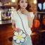 [ Pre-Order ] - กระเป๋าแฟชั่น กระเป๋าสะพาย นำเข้าสไตล์เกาหลี ทรงรูปดอกไม้สีขาว ดีไซน์สวยเก๋น่ารัก โดดเด่นแปลกสวยไม่เหมือนใคร สาวๆชอบงานโดดเด่น ห้ามพลาด thumbnail 3