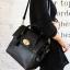 [ ลดราคา พร้อมส่ง Hi-End ] - กระเป๋าแฟชั่น นำเข้าสไตล์เกาหลี สีดำคลาสสิค ดีไซน์แบรนด์ดังแบบยุโรป งานหนังคุณภาพแบบสาน เหมาะสำหรับสาวๆ Working Woman ดูไฮโซสุดๆน่าใช้ thumbnail 8