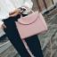 [ ลดราคา ] - กระเป๋าแฟชั่น ถือ&สะพาย สีชมพู ใบกลางๆ ดีไซน์สวยเท่เก๋ๆ งานหนังคุณภาพ เหมาะสำหรับสาวๆ Working Woman เท่ๆสุดๆน่าใช้ thumbnail 1