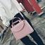 [ ลดราคา ] - กระเป๋าแฟชั่น ถือ&สะพาย สีชมพู ใบกลางๆ ดีไซน์สวยเท่เก๋ๆ งานหนังคุณภาพ เหมาะสำหรับสาวๆ Working Woman เท่ๆสุดๆน่าใช้ thumbnail 5