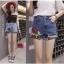 กางเกงยีนส์ขาสั้น ปักดอกกุหลาบ ต่อชายผ้าตาข่าย thumbnail 1