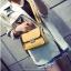 [ Pre-Order ] - กระเป๋าแฟชั่น ถือ/สะพาย สีเหลือง ทรงสี่เหลี่ยม ใบเล็กกระทัดรัด ดีไซน์สวยเรียบหรู ดูดี งานหนังคุณภาพ คุ้มค่าการใข้งาน thumbnail 3