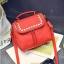 [ ลดราคา ] - กระเป๋าแฟชั่น นำเข้าสไตล์เกาหลี สีแดงโดดเด่น ปักหมุดขอบ ทรง Retro เก๋ๆ ดีไซน์สวยเท่ๆ แบบเก๋มากๆ เหมาะสำหรับสาวๆ ชอบงานดีไซน์ ล้ำๆ thumbnail 12