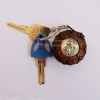 พวงกุญแจกระเป๋ากะลามะพร้าว มีซิป ใส่เหรียญได้