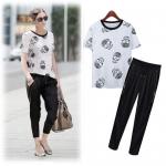 สินค้าพร้อมส่งค่ะ) ชุดแฟชั่นเกซ็ทเกาหลี เสื้อคอกลม แขนสั้น ทอลาย+กางเกงขายาว ดีไซด์ซิบข้างเปิดออกได้ซ่อนกระเป๋าข้างในเก๋มากค่ะ – สีขาว (Size: M)