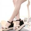 รองเท้าส้นเตารีดสีขาวดำ ทูโทน รัดส้น เข็มขัดปรับระดับได้ วัดุพียู ใส่แล้วเซ็กซี่ แฟชั่นเกาหลี