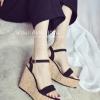 รองเท้าส้นเตารีดสีดำ สายถัก รัดส้น เข็มขัดปรับระดับได้ ทรงทันสมัย ดูดี แฟชั่นเกาหลี