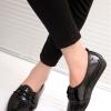 รองเท้าคัทชูส้นแบนสีดำ หัวแหลม ลายหนังงู แบบสวม ร้อยเชือก ใส่แล้วเท้าเรียว แฟชั่นเกาหลี