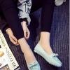 รองเท้าส้นแบนแฟชั่นสีเขียว หัวแหลมลายดอกไม้ แต่งโบว์ประดับเพชร วัสดุPU สไตล์ญี่ปุ่น หวานน่ารัก แฟชั่นเกาหลี
