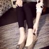 รองเท้าส้นเตี้ยแฟชั่นสีเทา Rhinestone หัวแหลมแต่งเข็มขัดฝังเพชร วัสดุพียูสักราจ สไตล์หวาน น่ารัก แฟชั่นเกาหลี
