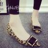 รองเท้าคัทชูผู้หญิงลายเสือ ส้นหนา หัวแหลมแต่งหัวเข็มขัดสีทอง ดูดี แฟชั่นเกาหลี