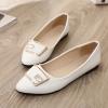รองเท้าคัทชูส้นเตี้ยสีขาว หัวแหลม ประดับหัวเข็มขัดRhinestone วัสดุPU แฟชั่นเกาหลี