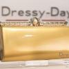 กระเป๋าออกงาน TE031 : กระเป๋าออกงาน สีทอง พร้อมส่ง สวยเก๋แบบไม่ซ้ำใคร ด้วยตัวล็อคประดับมุขอย่างสวยหรู ใช้สะพายออกงานเช้า กลางวัน หรือถือไปงานกลางคืน ออกเดท สวยหรูดูดีที่สุด