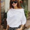 เสื้อเชิ๊ตแฟชั่นสีขาว แขนยาว คอเฉียง สวมใส่สบายๆ