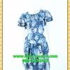 1872เสื้อผ้าคนอ้วน เสื้อผ้าแฟชั่นลายเม็ดหินสีฟ้าอ่อนทรงกระแทกเอวพรางหน้าท้องและต้นขา ระบายชายกระโปรงย้วย2ชั้น แขนระบายกุ๊นดำเพิ่มความคมชัดและความสวยงาม