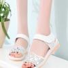 รองเท้าแตะผู้หญิงสีขาว รัดส้น หัวแต่งลายฉลุประดับเพชร สไตล์หวาน แฟชั่นเกาหลี