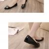 รองเท้าคัทชูส้นเตี้ยสีดำ หัวแหลม ประดับหัวเข็มขัดRhinestone วัสดุPU แฟชั่นเกาหลี