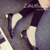 รองเท้าคัทชูผู้หญิงสีดำ ส้นหนา หัวแหลมแต่งหัวเข็มขัดสีทอง ดูดี แฟชั่นเกาหลี