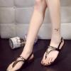 รองเท้าแตะผู้หญิงสีดำ แบบหนีบ รัดส้น สายรัดปรับระดับได้ แต่งอะไหล่สีทอง เรียบง่าย ดูดี แฟชั่นเกาหลี