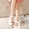 รองเท้าส้นเตารีดรัดส้น เสริมส้น สูงมาก (สีขาว)