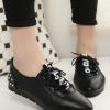 รองเท้าคัทชูส้นแบนสีดำ ทูโทน แบบเชือกผูก ส้นประดับหมุด แนววินเทจ ย้อนยุค แฟชั่นเกาหลี