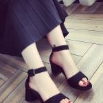 รองเท้าส้นสูงสีดำ รัดส้น แบบส้นหนา สายรัดปรับระดับได้ สไตล์เปิดโชว์นิ้วเท้า แฟชั่นเกาหลี