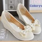 รองเท้าส้นสูงสีครีม แบบส้นหนา ทรงรองเท้าตุ๊กตา หัวกลม ประดับโบว์ ส้นสูง8cm แฟชั่นเกาหลี