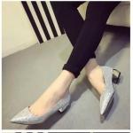 รองเท้าทำงานผู้หญิงสีเงิน หัวแหลม ประดับกากเพชร ส้นสูง4ซม. แฟชั่นเกาหลี