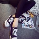 รองเท้าผ้าใบแฟชั่นผู้หญิงสีดำ ทรงคลาสิค ยอดนิยม ฮิตตลอดกาล แบบเชือกผูก แฟชั่นเกาหลี